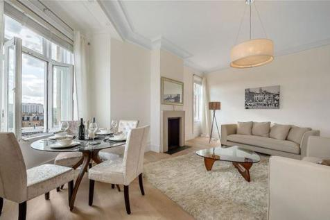 Earl's Court Square, Earls Court, London, SW5. 2 bedroom flat