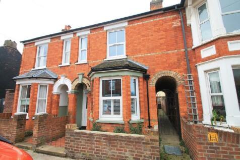 George Street, Bedford, Bedfordshire, MK40. 2 bedroom terraced house