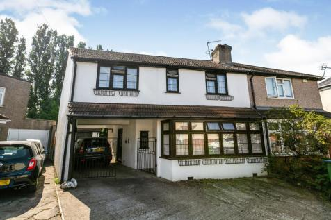 Olron Crescent, Bexleyheath, Kent, DA6. 4 bedroom semi-detached house for sale