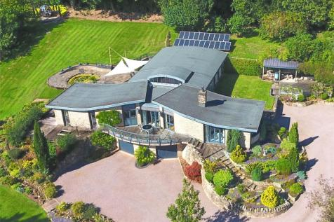 Malvern, Worcestershire. 5 bedroom detached house for sale