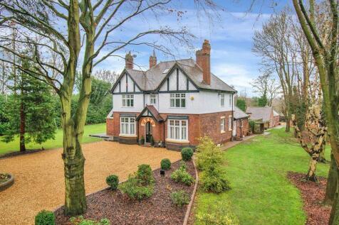 Great Wyrley, West Midlands. 6 bedroom detached house for sale