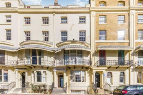 Regency Square, Brighton, BN1 2FH. 20 bedroom terraced house