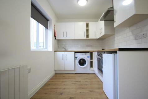 Walworth Road, London, SE17. Studio flat