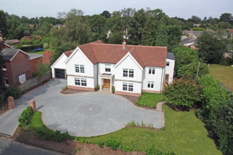 Gaston Street, East Bergholt. 6 bedroom detached house for sale