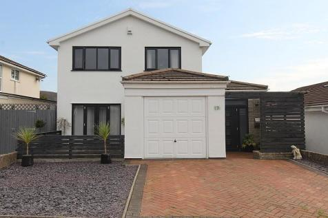 Pine Court, Talbot Green, Pontyclun, Rhondda, Cynon, Taff. CF72 8LA. 5 bedroom detached house