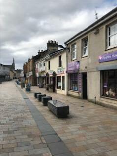 Main Street, Kilwinning, Ayrshire, KA13. Studio flat