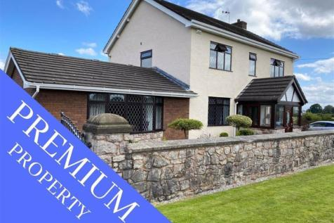 Lower Mountain Road, Hope, Wrexham. 4 bedroom detached house for sale