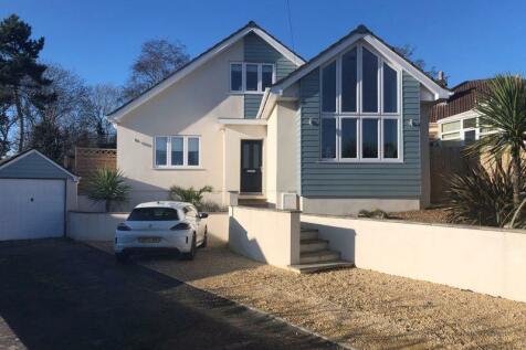 Seabrook Road, Weston-Super-Mare. 4 bedroom detached bungalow