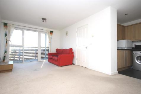 Victoria Way, London, Charlton, SE7 7FN. 2 bedroom flat
