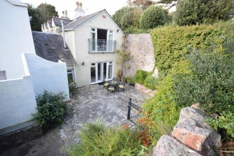 Middle Lincombe Road, Torquay, Devon, TQ1. 3 bedroom link detached house for sale