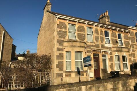 King Edward Road. 4 bedroom end of terrace house
