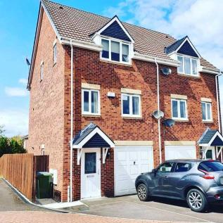 Siena Gardens, Forest Town. 3 bedroom semi-detached house