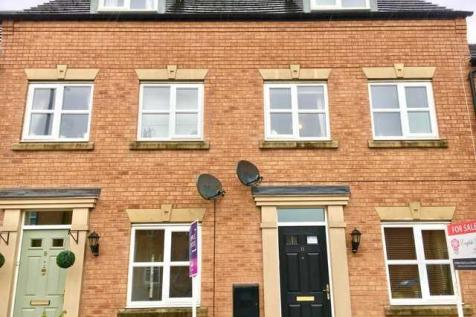 Bennett Drive, Kirkby in Ashfiield. 3 bedroom town house for sale