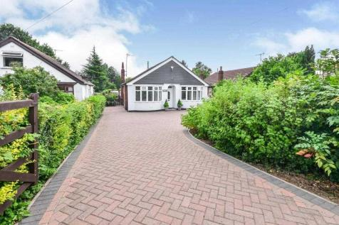 Roselyn, Kirkby Lane, Pinxton. 3 bedroom bungalow for sale