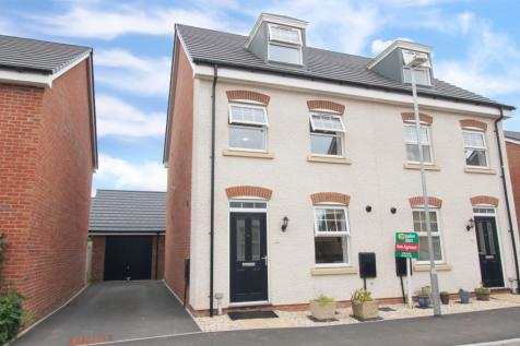 Ternata Drive, Monmouth. 3 bedroom semi-detached house