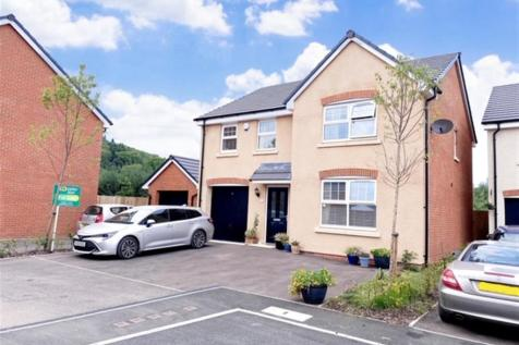 Ternata Drive, Monmouth. 4 bedroom detached house