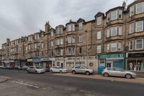 147 Glasgow Road, Dumbarton. 2 bedroom flat