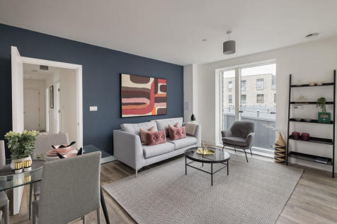 Parkside Place at Greenwich Millennium Village, Shillibeer Court, Greenwich SE10. 3 bedroom apartment for sale