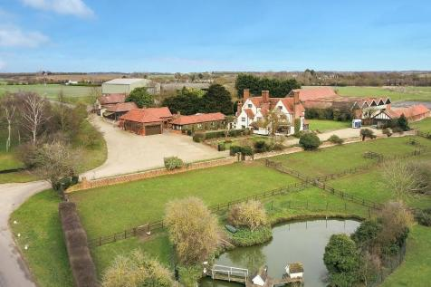 Roxwell, Chelmsford. 7 bedroom detached house