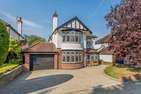 Heath Drive, Gidea Park. 4 bedroom detached house