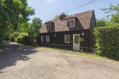Pilgrims Lane, Pilgrims Hatch, Brentwood. 3 bedroom detached house