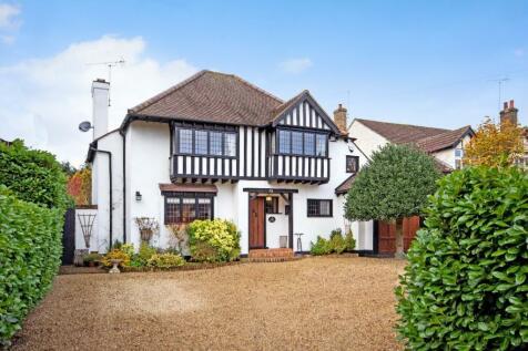 Worrin Road, Shenfield. 4 bedroom detached house