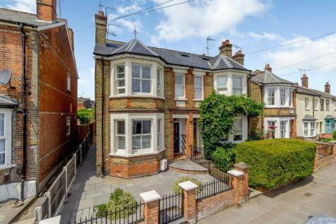 Mildmay Road, Chelmsford. 3 bedroom semi-detached house