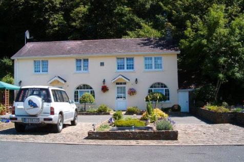 Dol Llan Road, Llandysul. 5 bedroom smallholding