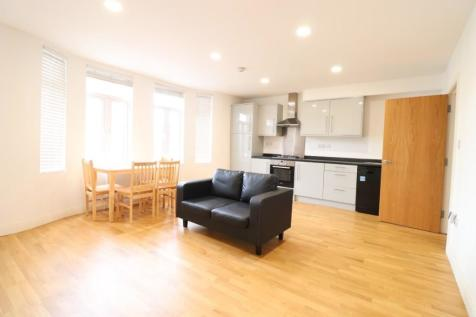 Kingston Road, London, SW19. 2 bedroom duplex