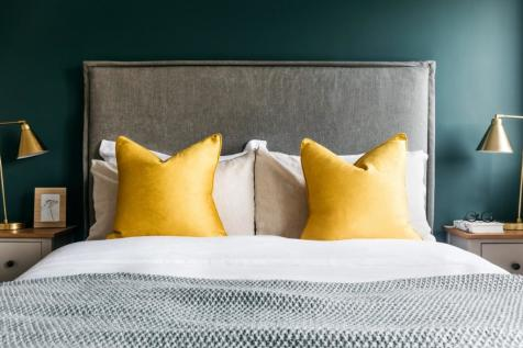 19 The Mill, Spring Wharf, Bath, Somerset, BA2. 1 bedroom apartment