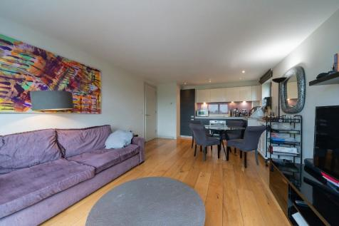 Granville Road, London, NW2. 2 bedroom flat