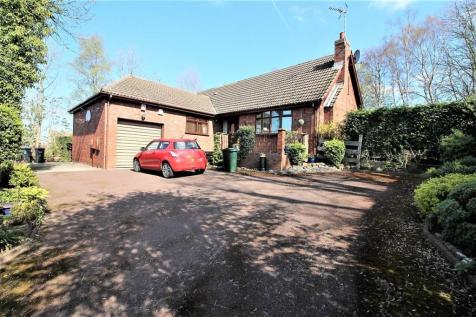 Main Street, Aughton, Sheffield, S26 3XJ. 4 bedroom detached house