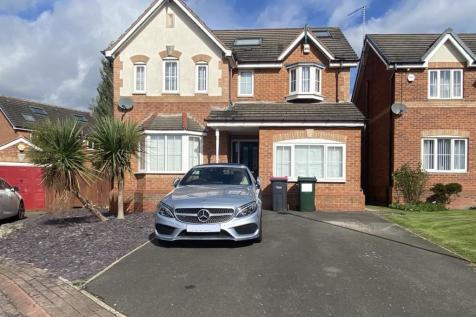 Swallow Wood Road, Swallownest, Sheffield, S26 4SU. 5 bedroom detached house