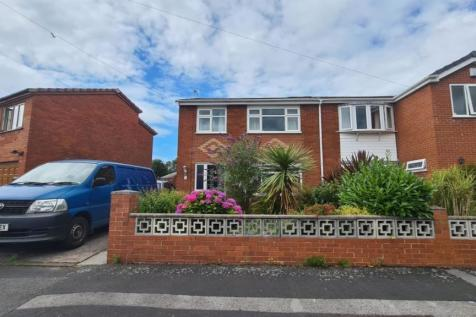 Poulton Crescent, Woolston, Warrington. 3 bedroom semi-detached house