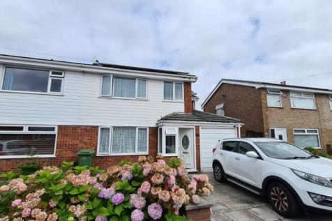 Berkshire Drive, Woolston, Warrington. 4 bedroom semi-detached house