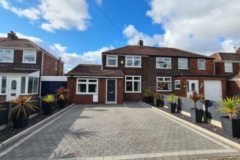 Alder Road, Woolston, Warrington. 3 bedroom semi-detached house for sale