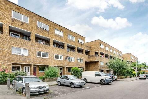 Turenne Close, London, SW18. 2 bedroom flat