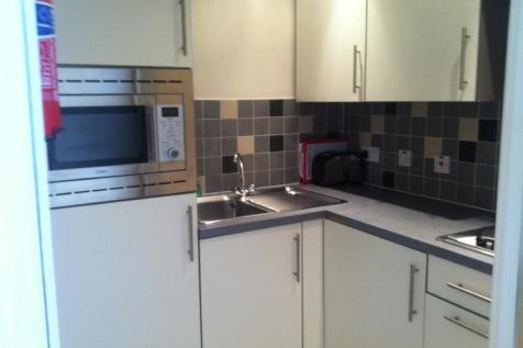 Furnished studios- Mathew Court, for Professionals and Students. 1 bedroom flat