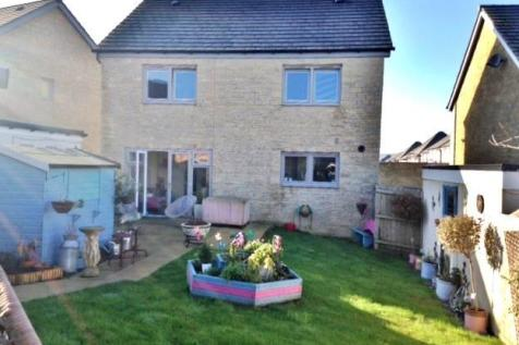 Churchill Rise, Axminster. 4 bedroom detached house
