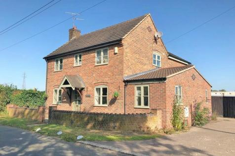Whitminster Lane, Frampton On Severn, Gloucester. 3 bedroom detached house