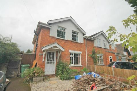 Hempsted Lane, Gloucester. 3 bedroom semi-detached house