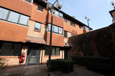 Foliot House, Budshead Road, Crownhill, Devon. 1 bedroom apartment