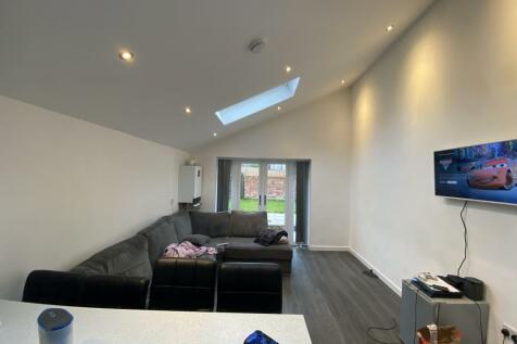 Terry Road, Coventry, CV1 2AZ. 5 bedroom semi-detached house