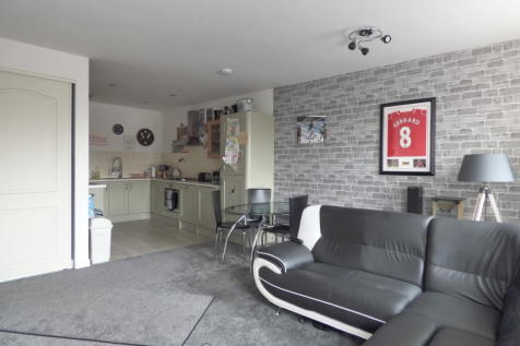 Stoke Road, Gosport. 2 bedroom flat