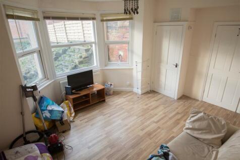 Richmond Road, Hyde Park, LS6. 1 bedroom detached house