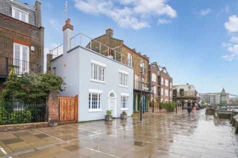 Lower Mall, Hammersmith, W6. 2 bedroom terraced house