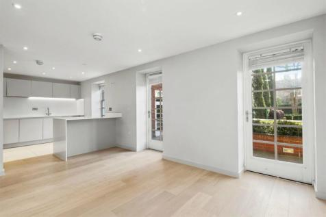 Ravenscourt Gardens, Hammersmith, W6. 2 bedroom flat