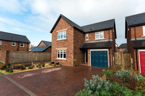 Curlew Drive, Dumfries. 4 bedroom detached house for sale
