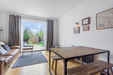 Hastings Street London SE18. 4 bedroom terraced house