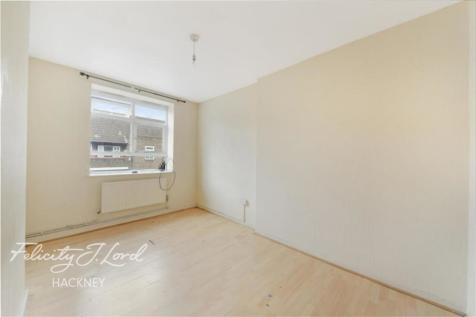 Fairmead House E9. 3 bedroom flat